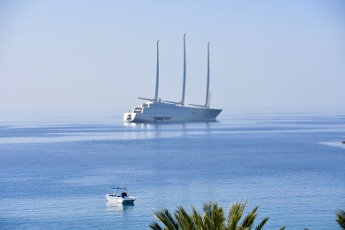 Super Yacht A in Coral Bay